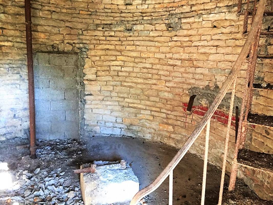 Demolition installation gendarmes